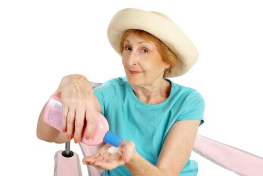 Skin Care for Seniors: Avoiding Dryness and Irritation